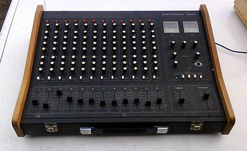 Микшерный пульт Электроника