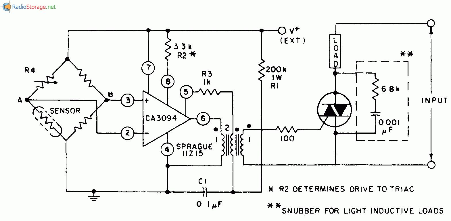 Мультивибратор открывает симистор для контроля температуры или для целей ее.