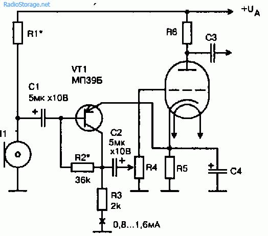 Принципиальная схема включения угольного микрофона на входе гибридного УЗЧ, собранного на транзисторе и электронной...