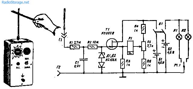 Резистор R1 служит для ограничения зарядного тока конденсатора, a R2 - для ограничения тока его разряда.