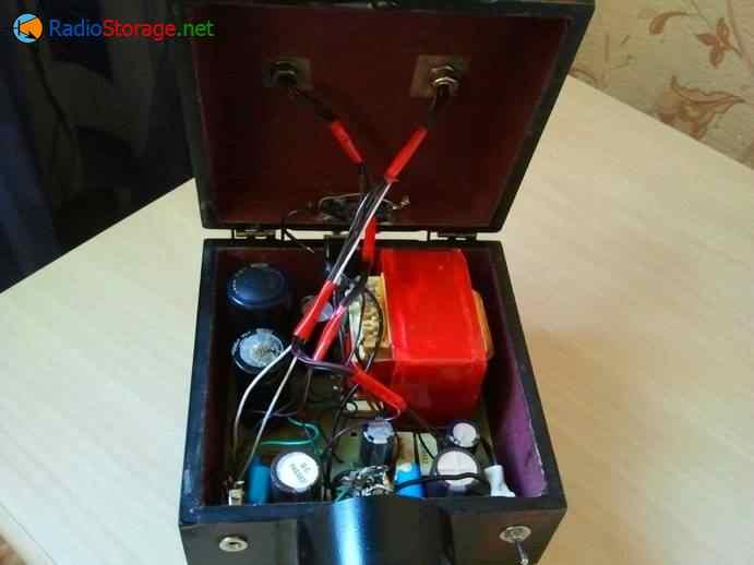 Монтаж компонентов внутри лампового усилителя для наушников (шкатулка)
